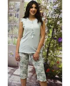 Πυτζάμα βαμβακερή μπλούζα φυστικί με χαμηλή πατιλέτα και floral κάπρι παντελόνι