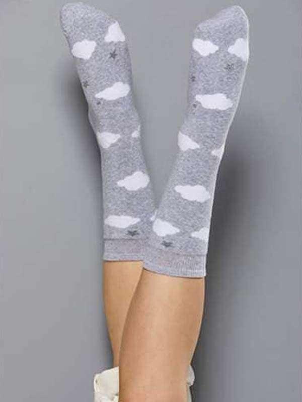 Κάλτσες γυναικείες συννεφάκια με βεντούζα και για να μη γλυστρας
