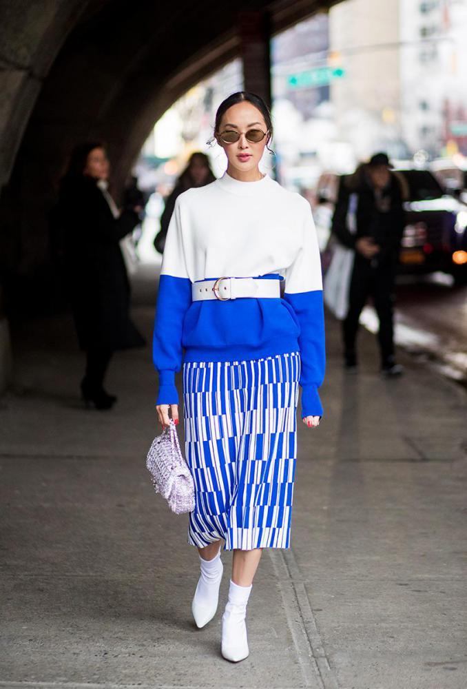 Το τολμηρό χρώμα που τα fashion girls έχουν πάθει έμμονη